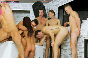Guys and girls that love cock gather for - XXX Dessert - Picture 8