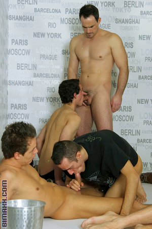 This orgy is the dream of every bi boy l - XXX Dessert - Picture 1