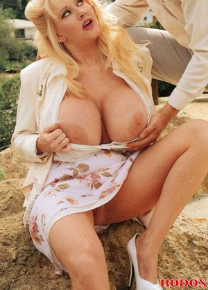 Mature lady with massive melons loves co - XXX Dessert - Picture 2