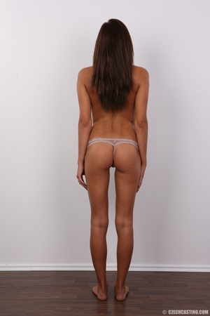 Stunning young girl has a perfect body a - XXX Dessert - Picture 12