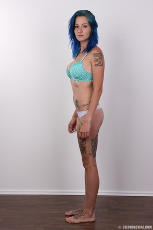 Kinky blue haired whore exposes her pier - XXX Dessert - Picture 5