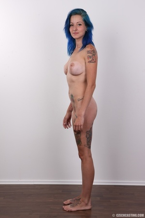 Kinky blue haired whore exposes her pier - XXX Dessert - Picture 14