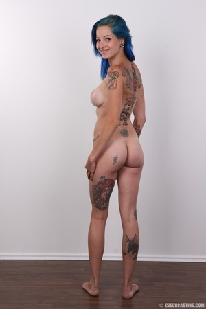 Kinky blue haired whore exposes her pier - XXX Dessert - Picture 16