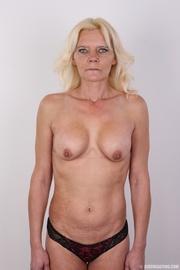 mature blonde likes experiment