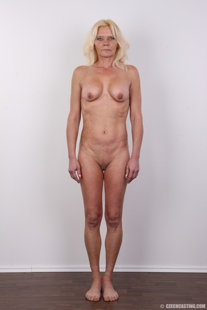 Mature blonde likes to experiment new co - XXX Dessert - Picture 13