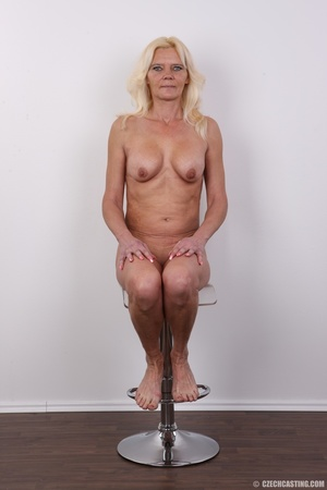 Mature blonde likes to experiment new co - XXX Dessert - Picture 18
