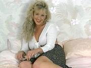 sarah jane typical blonde