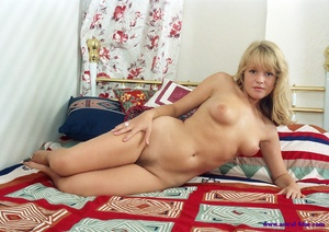 Helen Hanson beautiful blond pubic hair  - XXX Dessert - Picture 13