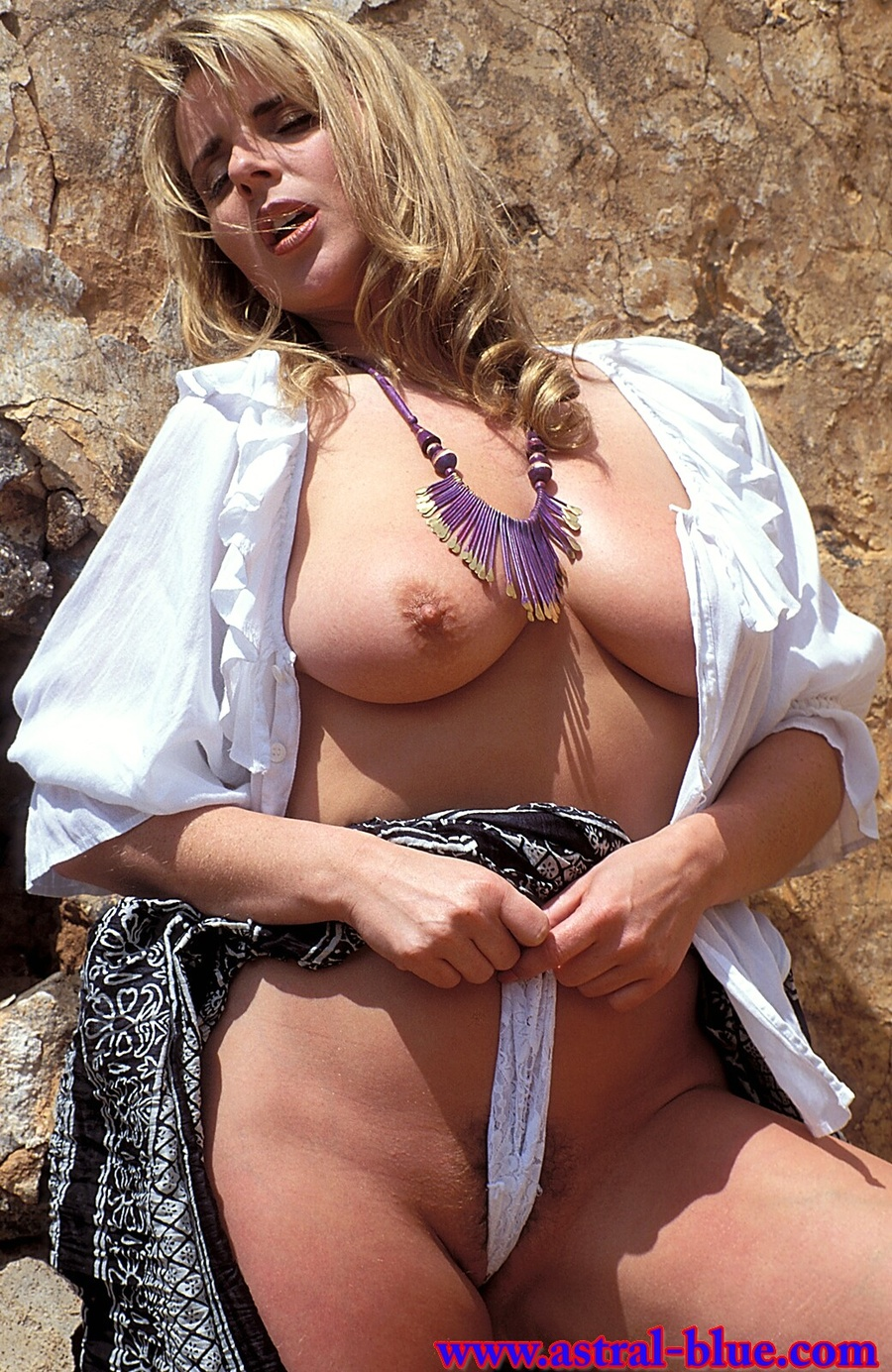 Racheal Farmer, Big Tits Uk Page 3 Girl, Nu - Xxx Dessert - Picture 3-1998