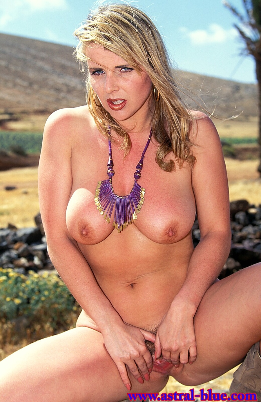 Racheal Farmer, Big Tits Uk Page 3 Girl, Nu - Xxx Dessert - Picture 15-8493