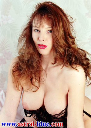Page 3 Girl Lucy Gresty doing things she - XXX Dessert - Picture 3