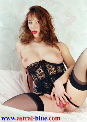 Page 3 Girl Lucy Gresty doing things she - XXX Dessert - Picture 6