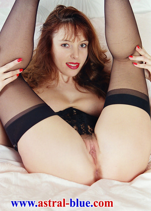 Page 3 Girl Lucy Gresty doing things she - XXX Dessert - Picture 8