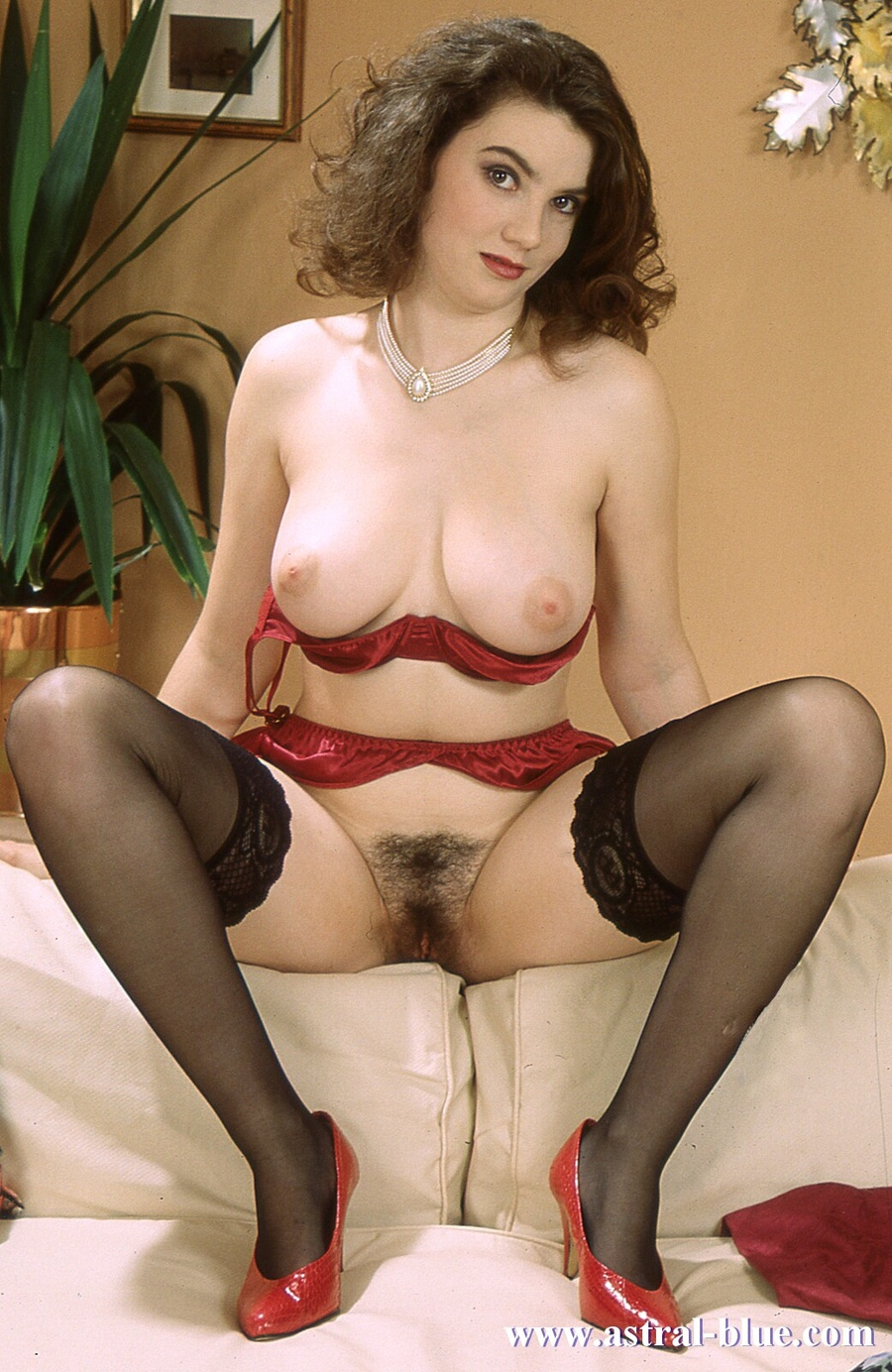 Xxx hairy big breasts photos