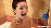 babe bath washes herself