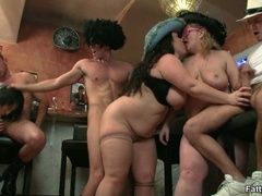 Three fat chicks get wild in bar with three guys in hot - Picture 14