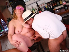 Three guys join three horny fat chicks drinking in bar - Picture 15