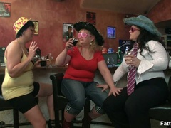 Kinky videos of hot BBW action with three fat babes - Picture 1