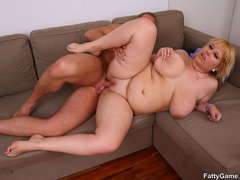 Lucky guy sucks big tits before fat babe sucks his cock - Picture 13