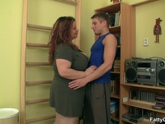 Cute fat chick tangles guy in hot fingering, tits and - Picture 2