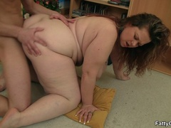 Fat chick calls guy over to suck his cock and get fucked - Picture 13