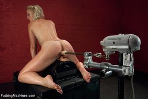 Sex machines show seductive looking babe - XXX Dessert - Picture 9