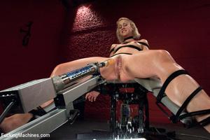 Sex machines show seductive looking babe - XXX Dessert - Picture 11