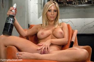 Horny chick gets down to dirty hard fuck - XXX Dessert - Picture 1