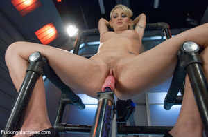 Hot and sweet auto fucking as cute model - XXX Dessert - Picture 7