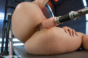 Hot and sweet auto fucking as cute model - XXX Dessert - Picture 8