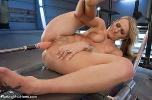 Hot and sweet auto fucking as cute model - XXX Dessert - Picture 10