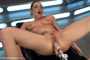 Hot sex model gets multiple orgasms as h - XXX Dessert - Picture 10