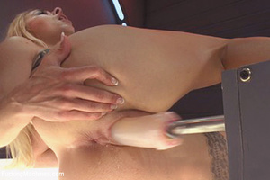 Lusty chick looking for fun gets a blast - XXX Dessert - Picture 8