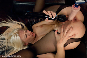 Hot automatic fucking as fast fucking ma - XXX Dessert - Picture 7