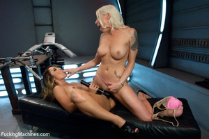 Two cute chicks get at each other in ste - XXX Dessert - Picture 2