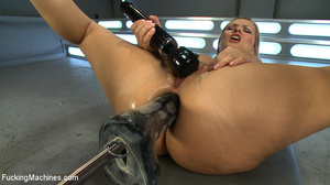 Smooth skinned chick moans to orgasm as  - XXX Dessert - Picture 4