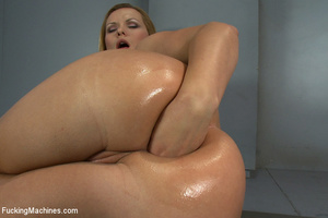Sweet mechanical fucking as horny chick  - XXX Dessert - Picture 9