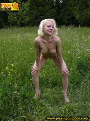 Hot blonde strips off her clothes erotically before letting out a spray of piss - XXXonXXX - Pic 11