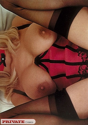 Retro sexy babes with cum all over their - XXX Dessert - Picture 10