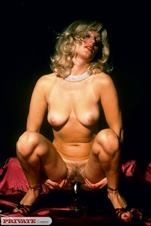 Blonde milf playing with thick glass dil - XXX Dessert - Picture 5