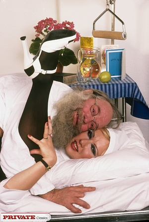 Classic blond nurse seduces horny old pa - XXX Dessert - Picture 8