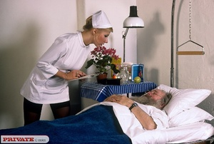 Classic blond nurse seduces horny old pa - XXX Dessert - Picture 9