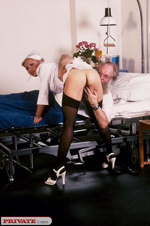 Classic blond nurse seduces horny old pa - XXX Dessert - Picture 10