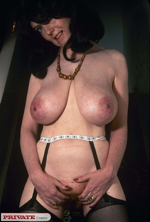 Classic chick with natural big boobs pos - XXX Dessert - Picture 12