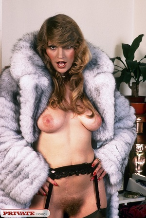 Classic hot lady in furry coat masturbat - XXX Dessert - Picture 4