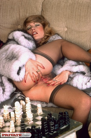 Classic hot lady in furry coat masturbat - XXX Dessert - Picture 14
