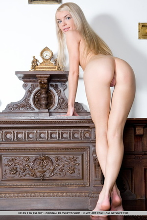 Lovely looking chick looks so inviting s - XXX Dessert - Picture 4