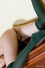 cute naked brunette vixen