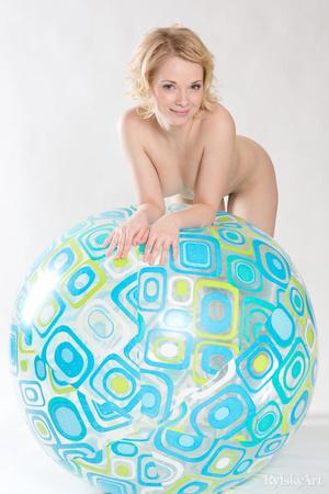 Mischievous blonde teeny posing nude wit - XXX Dessert - Picture 1