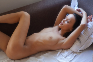 Tanned girl enjoys her morning alone and - XXX Dessert - Picture 4
